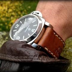 panerai logo sur bracelet montre cuir ammo