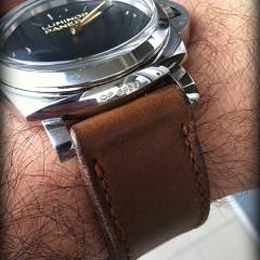 panerai 372 sur bracelet montre cuir canotage modèle hunter