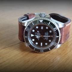 rolex sea dweller sur bracelet montre cuir ammo