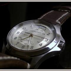 hamilton khaki sur bracelet montre cuir canotage modèle copeland