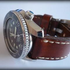 seiko marinemaster sur bracelet montre cuir canotage modèle orcade