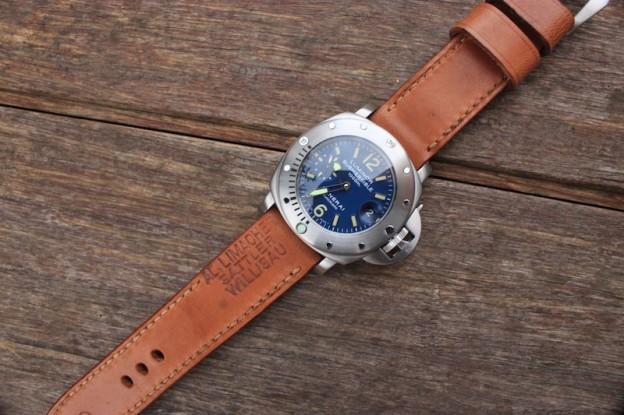 panerai submersible sur bracelet montre cuir ammo