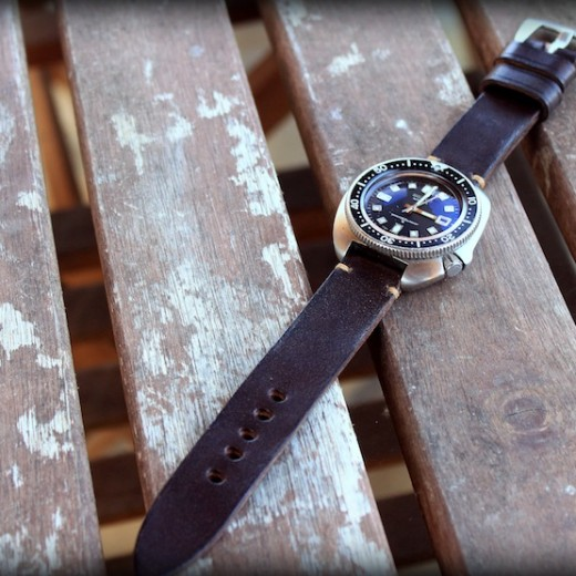 montre seiko 6105 sur bracelet montre cuir canotage modele achill