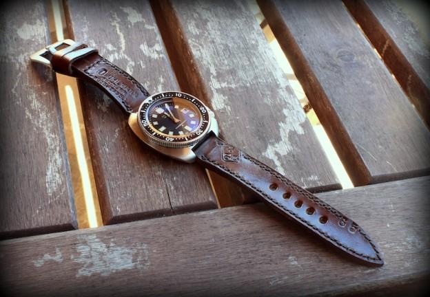 seiko et ammo - seiko 6105 sur bracelet montre cuir ammo