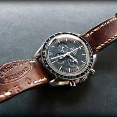 omega speedmaster sur bracelet montre cuir ammo
