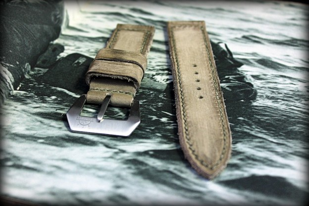 bracelet montre old tottem key