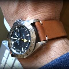 rolex explorer sur bracelet montre ammo suisse clair