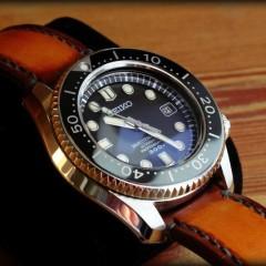 Seiko Marine Master sur bracelet montre cuir patiné