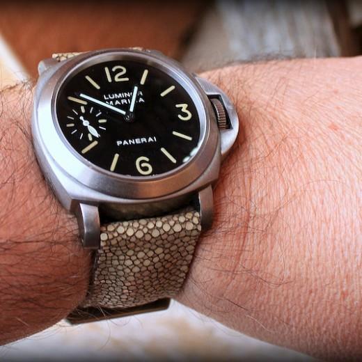 panerai 40 sur bracelet montre en galuchat
