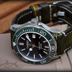 C.Ward sur bracelet montre gondar